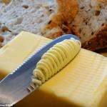 パンがボロボロにならない!世界一簡単にバターが塗れるナイフ